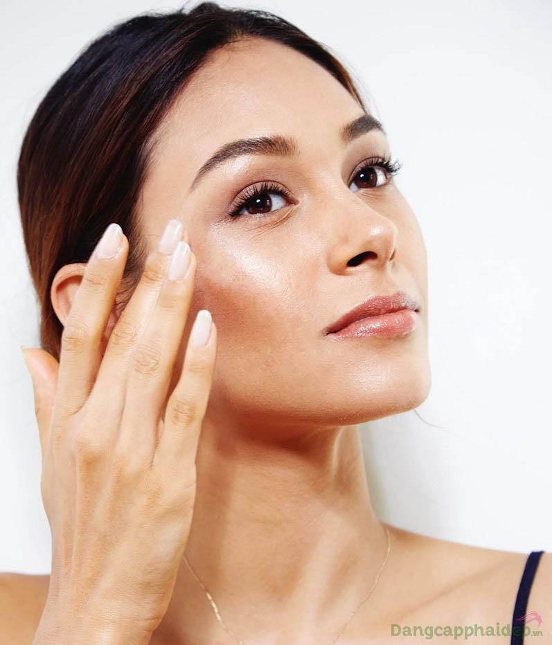 Hãy sử dụng nhũ tương chống nắng đều đặn vào mỗi buổi sáng để bảo vệ làn da tốt nhất