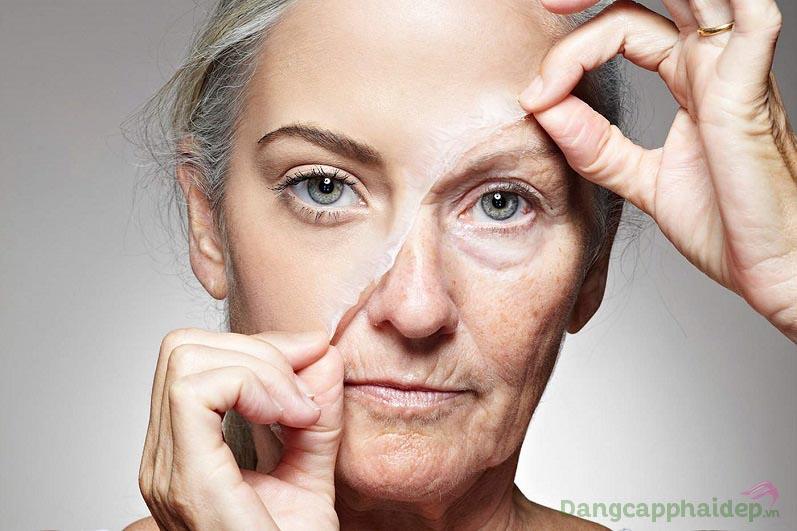 Sau tuổi 35+, biểu hiện lão hóa có thể nhìn rõ bằng mắt thường như nếp nhăn, da chảy xệ, xỉn màu...