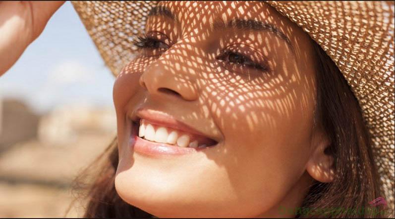 """Skincode Daily Defense & Recovery Veil SPF30 như """"bức tường thành"""" để chống nắng, bảo vệ da khỏe đẹp, tươi tắn mỗi ngày"""