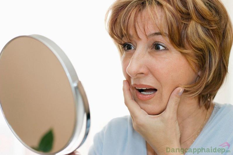 Da chảy xệ, xuất hiện nếp nhăn...là các biểu hiện của lão hóa da bạn có thể nhìn rõ bằng mắt thường