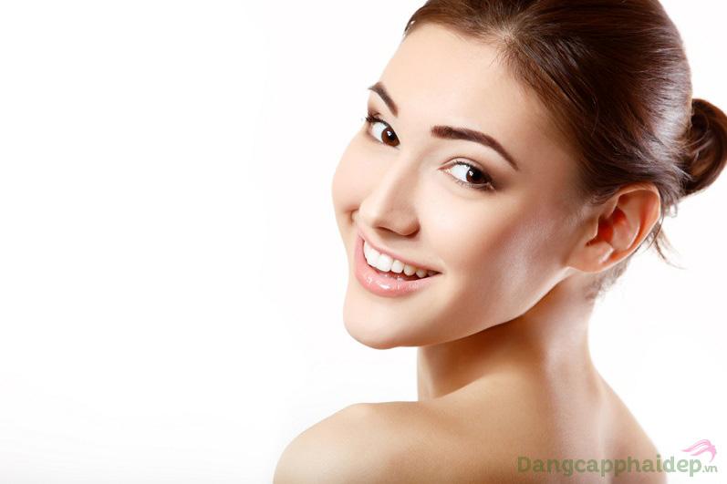 Da mướt mịn, căng sáng và che phủ mọi khuyết điểm sau bước dùng kem nền Skincode Advanced Skin Perfector