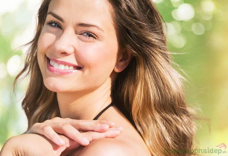 """Skincode Brightening Protective Shield SPF50/PA++ - """"Hàng rào vững chắc"""" không chỉ chống nắng mà còn dưỡng trắng da hoàn hảo"""
