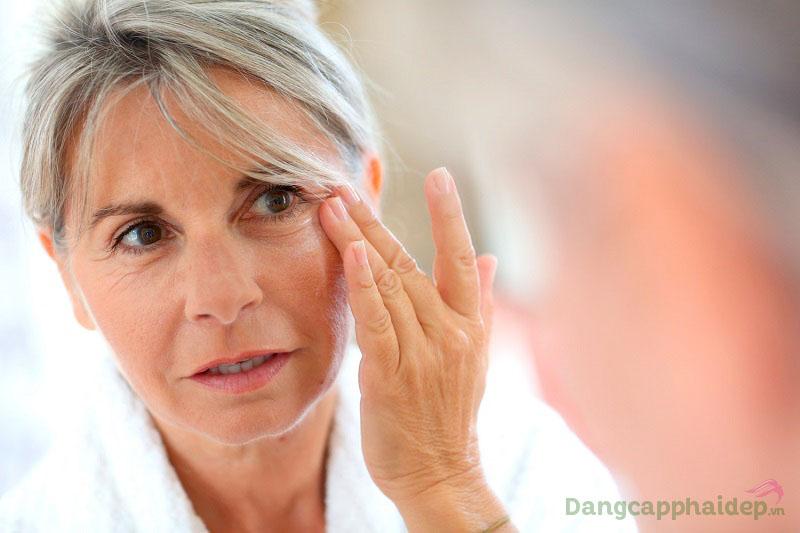 Da mặt chảy xệ, nếp nhăn hiện rõ ở độ tuổi 40+