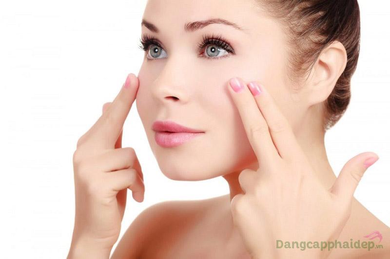 Chú ý đến cách dùng serum để đạt hiệu quả chăm sóc da tốt nhất.