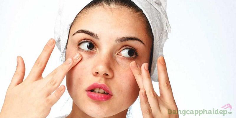 Tinh chất dưỡng da Neova Squalane rất thích hợp cho da khô, da nhạy cảm dễ kích ứng...