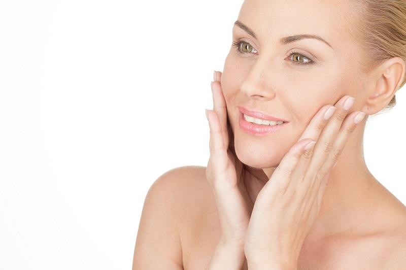 Sử dụng sản phẩm cho da mặt hoặc bất kì vùng da nào quá khô