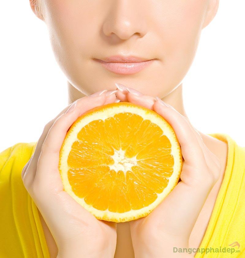 Vitamin C ngăn ngừa sạm nám, dưỡng sáng da hiệu quả.