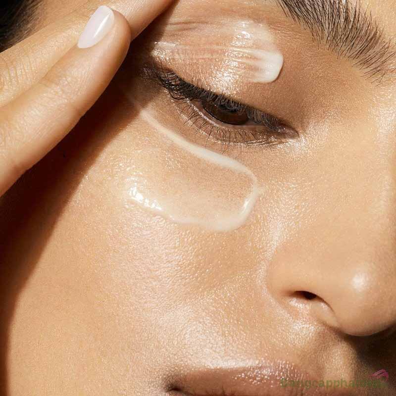 Làn da cải thiện rõ rệt qua từng ngày khi duy trì dùng kem dưỡng mắt 2 lần/ngày.
