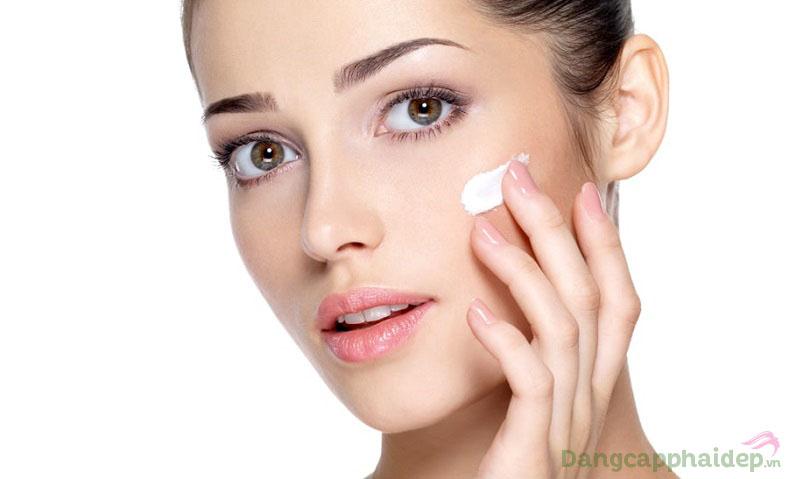 Có thể sử dụng kem dưỡng từ 1 - 2 lần/ngày sau khi làm sạch da