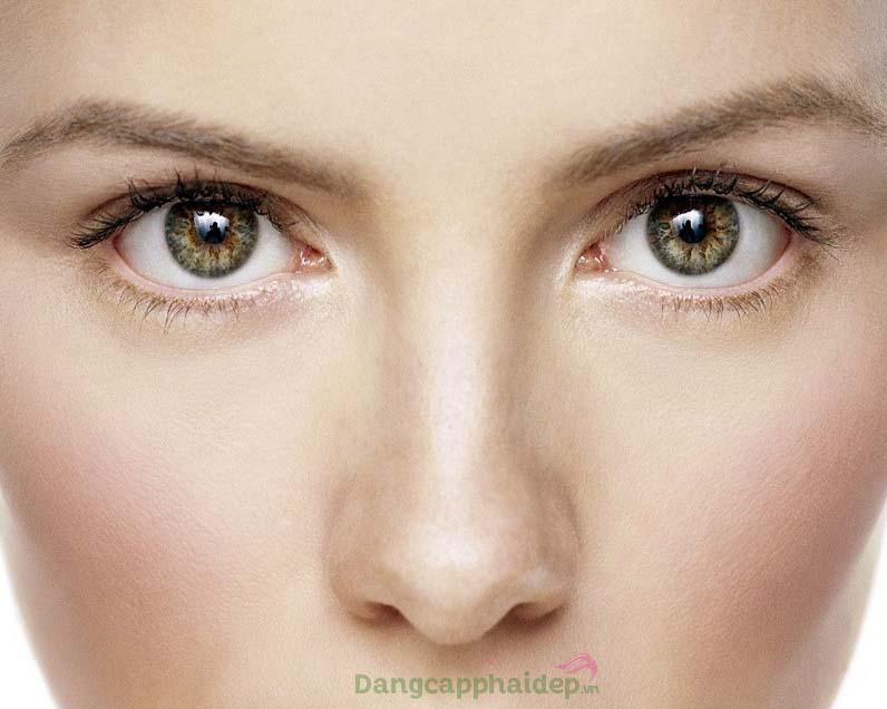 Làn da vùng mắt mịn màng, tươi sáng sau thời gian sử dụng Md: Ceuticals Phytic Antiox Eye Contour
