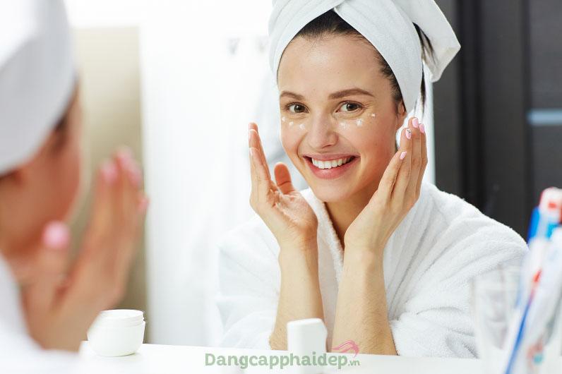 Làn da trẻ khỏe bất chấp thời gian khi thực hiện đầy đủ các bước chăm sóc da này