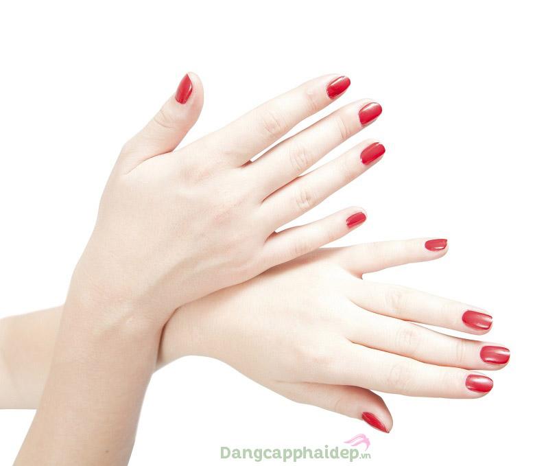 """Etre Belle Pure White Pearl Hand Cream là """"bí kíp"""" giúp dưỡng da tay mịn màng, trắng sáng ngọc ngà"""