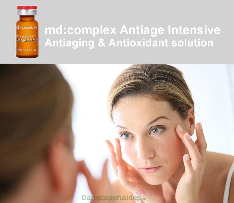 Sản phẩm có sự kết hợp các thành phần hoạt chất chống oxy hóa, chống lão hóa da mạnh mẽ