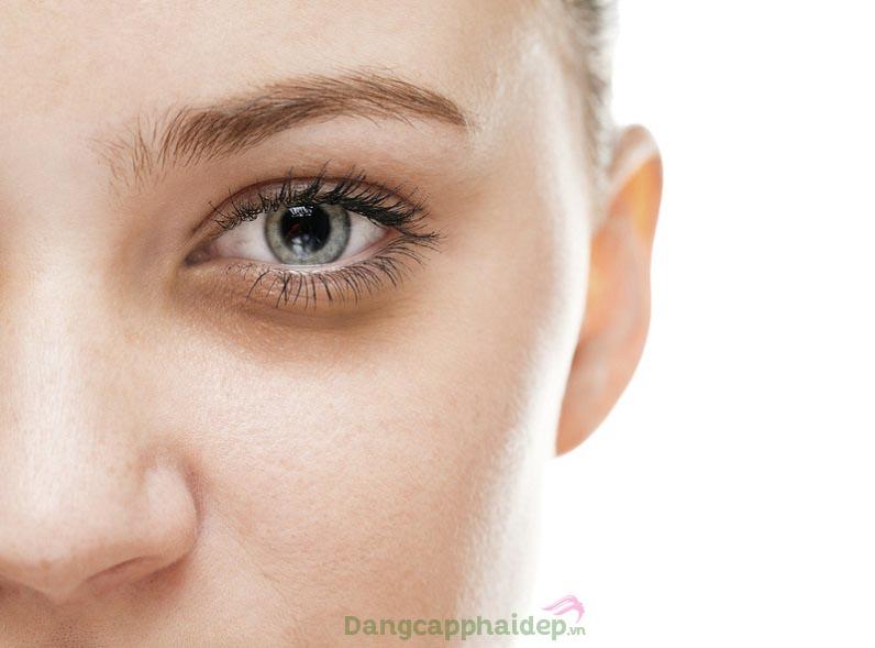 Nếp nhăn, túi mỡ mắt hay quầng thâm xuất hiện khiến gương mặt trông thiếu sức sống và già nua