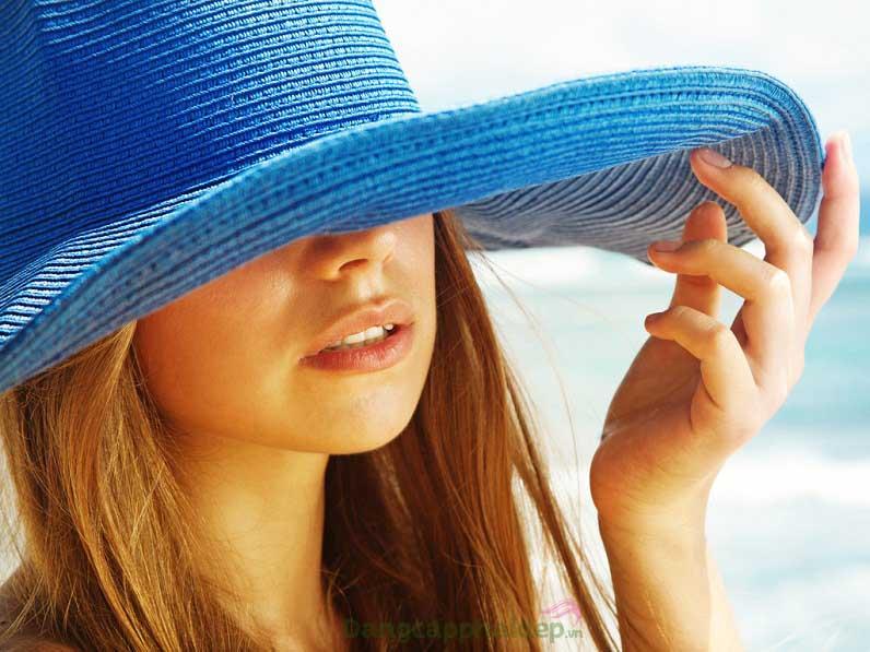 Sử dụng sản phẩm khi làn da xuất hiện các dấu hiệu lão hóa do tác động từ ánh nắng mặt trời