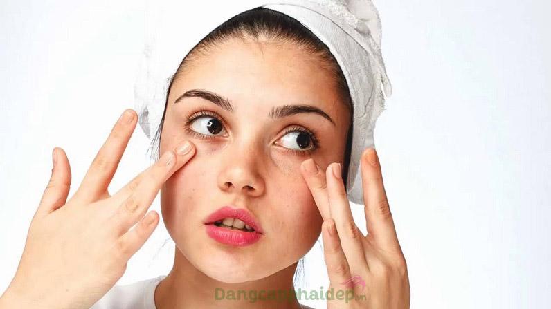Có phải bạn đang khổ sở vì làn da khô sần, nhạy cảm dễ kích ứng?