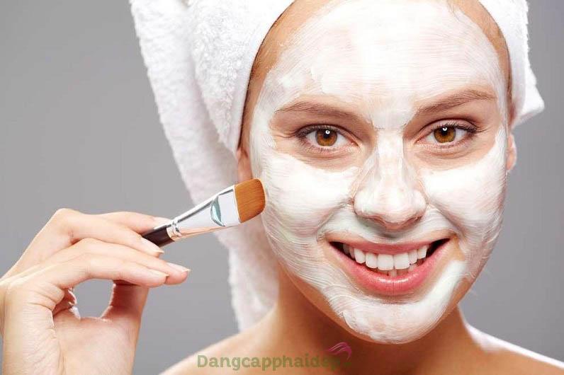 Đắp mặt nạ mỗi tuần 1 lần để làm sạch, giảm viêm và trị mụn hiệu quả nhé