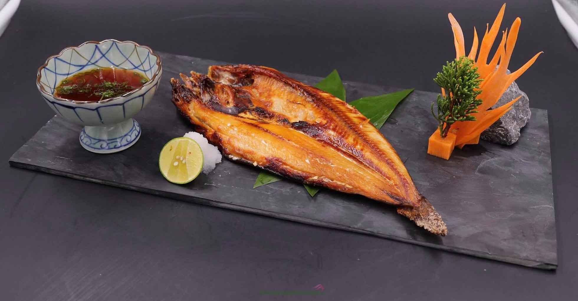 Cá hokke nướng là món ăn phổ biến tại Nhật