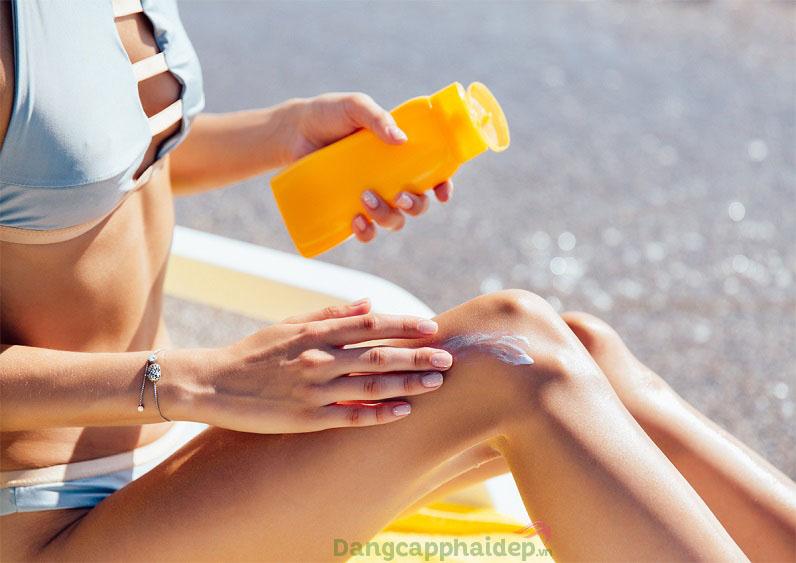 Thật tai hại nếu bạn không có thói quen bôi lại kem chống nắng
