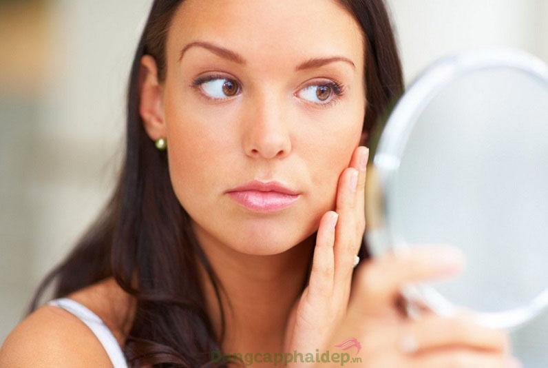 Gương mặt kém sắc vì làn da xuất hiện các dấu hiệu lão hóa
