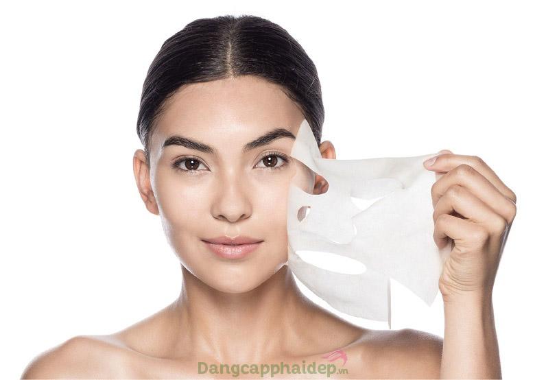 Da căng mịn mướt mát sau bước đắp mặt nạ Skin Renewal Hydrogel Mask