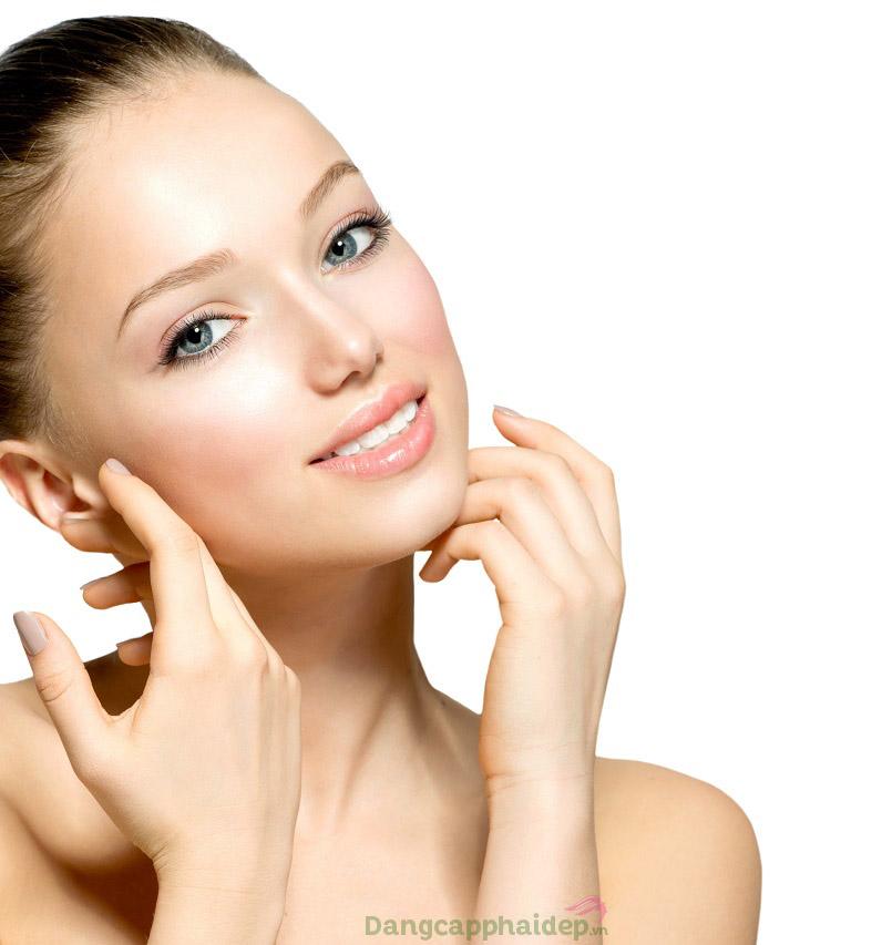 Sử dụng serum dưỡng da đều đặn 2 lần/ngày mỗi ngày để cải thiện làn da nhanh chóng