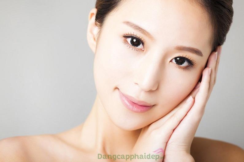 Cải thiện da trắng sáng tự nhiên chỉ với Obagi Clinical Vitamin C+ Arbutin Brightening Serum