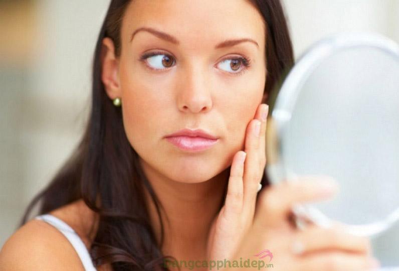 Sau tuổi 25, làn da nhanh xuống cấp nếu không chăm sóc da chuyên sâu