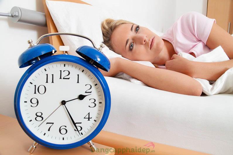 Việc ngủ không đủ giấc cũng ảnh hưởng không nhỏ đến kế hoạch giảm cân