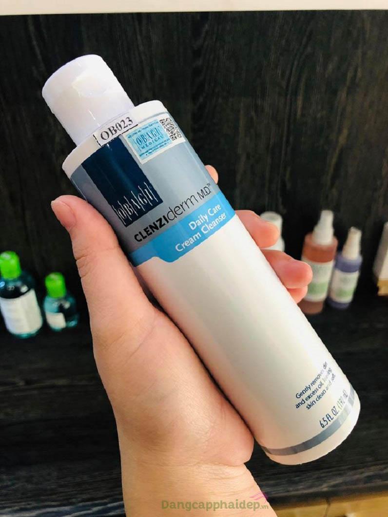 Không khó vì đã có sữa rửa mặt Obagi CLENZIderm MD Daily Care Cream Cleanser dành riêng cho da khô bị mụn