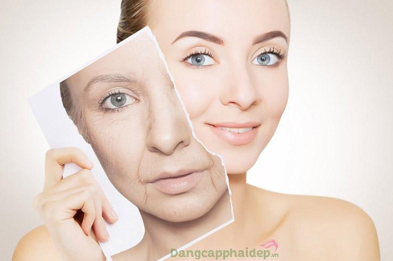 Da căng mượt, tươi mới hơn chỉ sau bước đắp mặt nạ Exuviance Rejuvenating Treatment Masque.=