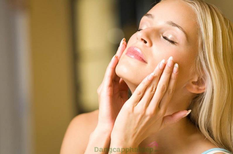 Sử dụng serum hằng ngày vào buổi sáng để nhanh chóng cho kết quả như mong đợi