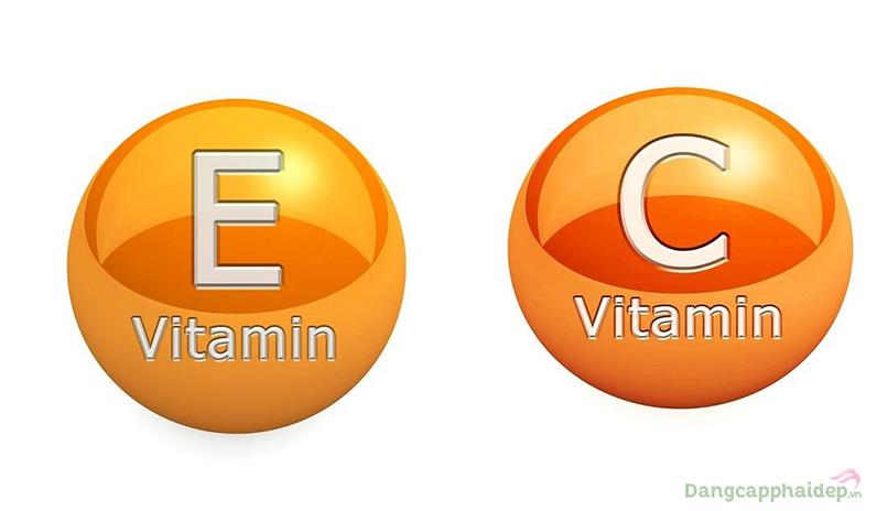 Kết hợp vitamin E và C nuôi dưỡng làn da khỏe mạnh.
