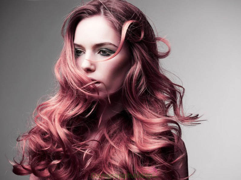 Tránh lựa chọn dầu gội chứa paraben, hóa chất gây hư tổn tóc nhuộm