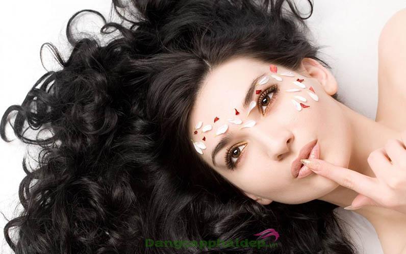 Bật mí bí quyết nuôi dưỡng tóc giúp tóc nhanh dài và dày hơn