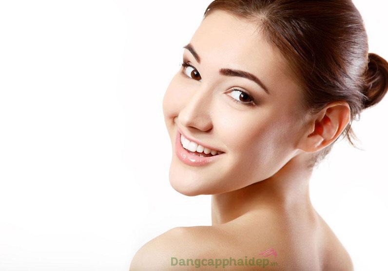 Da sạch sáng tinh khiết chỉ sau bước đắp mặt nạ Exuviance Detox Mud Treatment