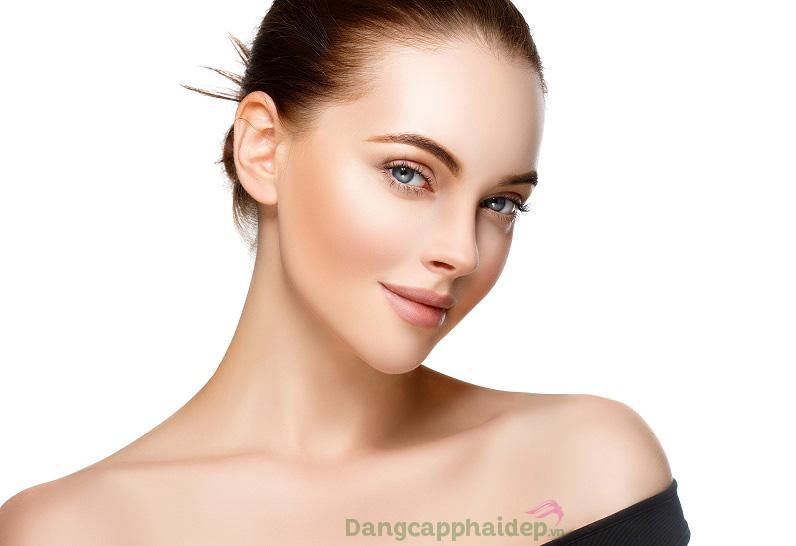 Tự tin sở hữu làn da căng mịn, tươi tắn rạng rỡ mỗi ngày vì thêm bước dưỡng da với nước hoa hồng