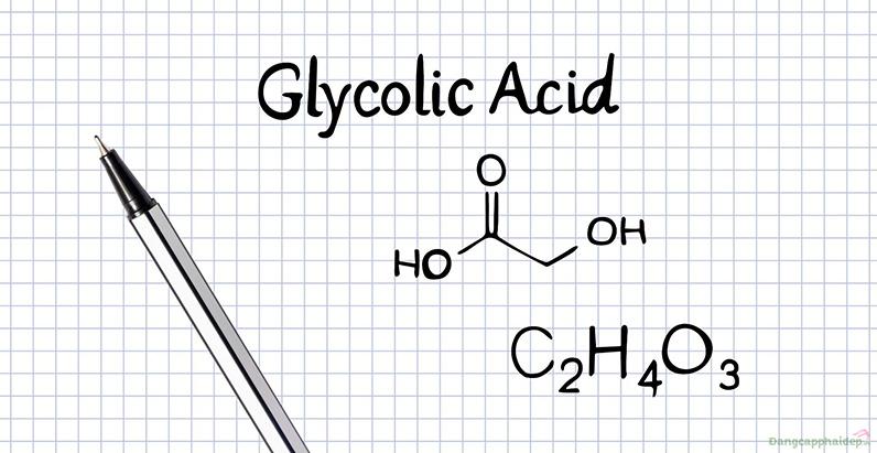 AHA (glycolic Acid) tẩy sạch tế bào chết giúp da sáng mịn, ngừa mụn.