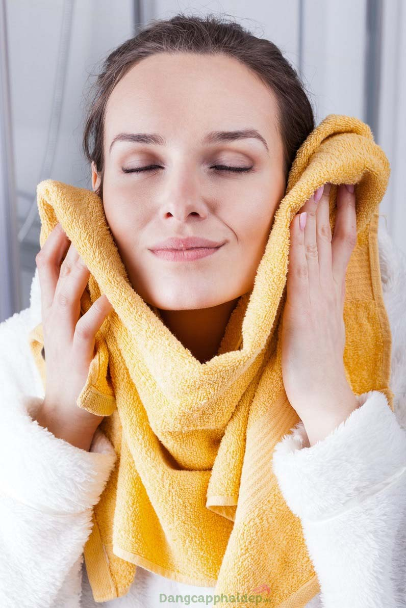 Cho điểm 10 với khả năng làm sạch sau, dưỡng da tươi trẻ của sữa rửa mặt Hyaluronic Cleansing Mousse