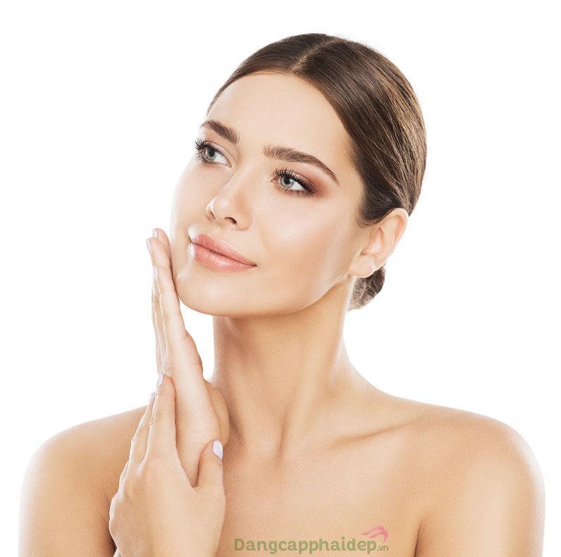Da dịu mát, mướt mịn và thoải mái tức thì khi được chăm sóc từ tinh chất Etre Belle Skin Therapy Couperose Serum
