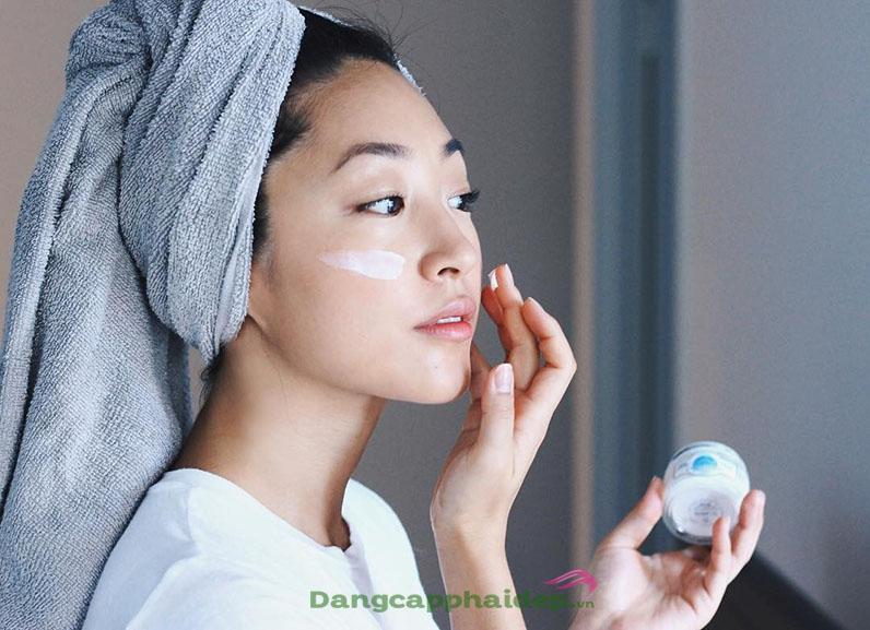 Làm thế nào để chăm sóc da mùa đông luôn mướt mịn, không bị khô ráp