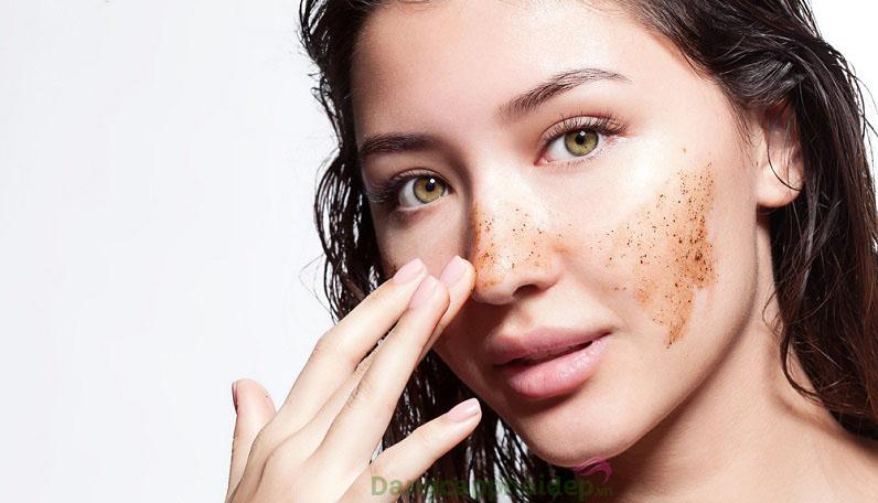 Cần duy trì thói quen tẩy tế bào chết cho da mặt từ 1 - 2 lần/tuần