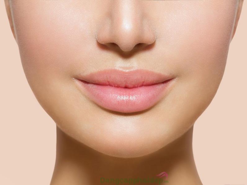 Đôi môi căng mọng, mềm mượt không còn khô nhăn khi duy trì sử dụng kem dưỡng chống nắng môi mỗi ngày