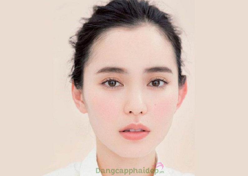 Dáng lông mày đẹp phải hòa hợp với tổng thể khuôn mặt