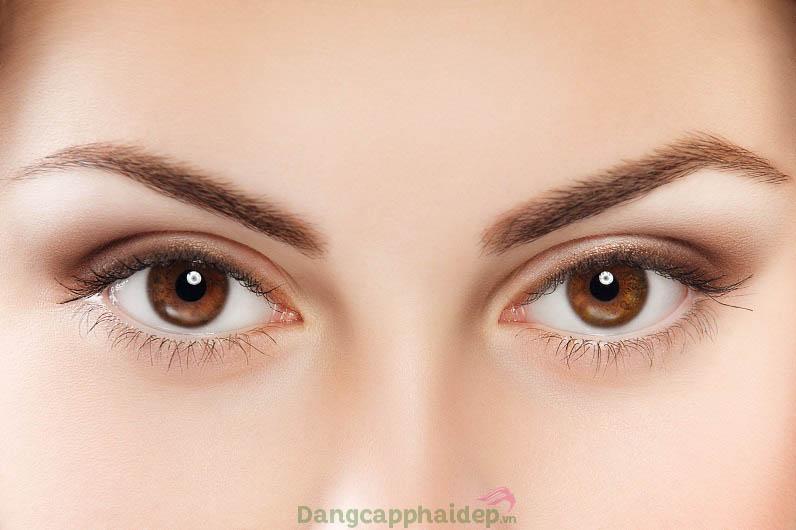 Duy trì sức sống tươi trẻ cho làn da vùng mắt khi sử dụng kem dưỡng mắt hằng ngày