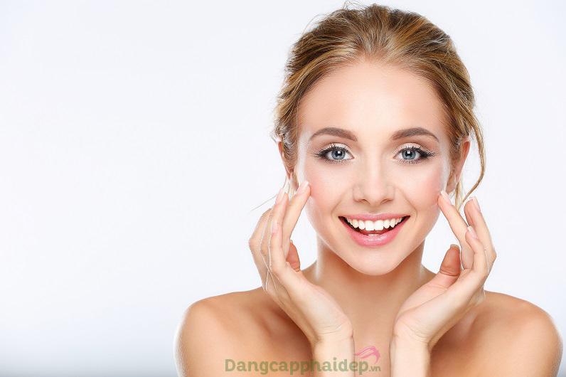 Sử dụng tinh chất đều đặn mỗi ngày để tối ưu hiệu quả chăm sóc da.