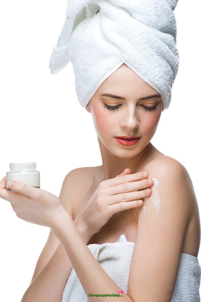 cách tạo mùi thơm cơ thể cho nữ