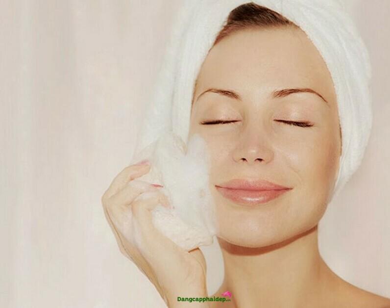 Sữa rửa mặt làm trắng da Soskin Clarifying Cleansing Foam
