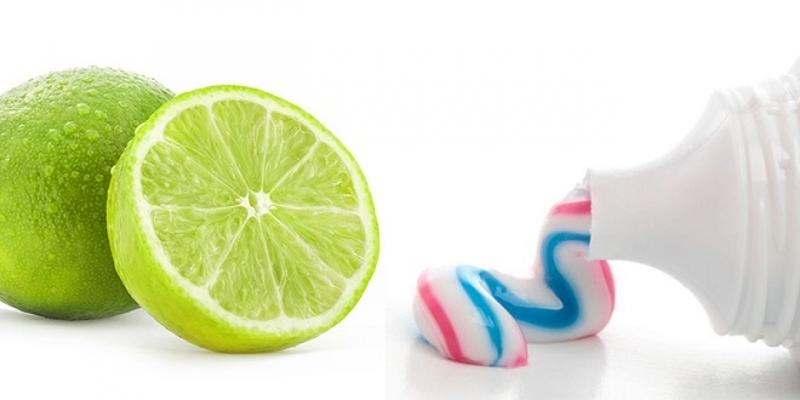 Đẩy mụn ẩn bằng kem đánh răng và chanh.