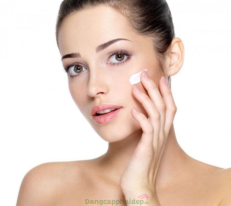 Sau một thời gian sử dụng kem, bạn sẽ thấy nếp nhăn được cải thiện đáng kể, da khỏe và sáng lên trông thấy